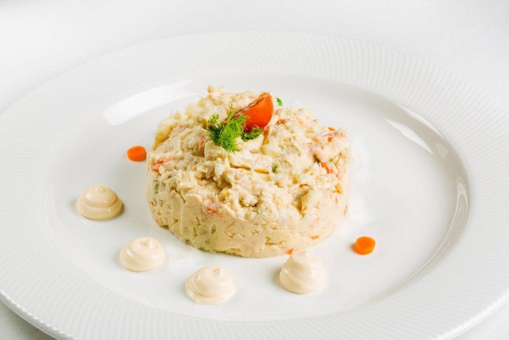 restaurante-el-parque-de-trueba-en-cantabria-ensaladilla-rusa-1024x683
